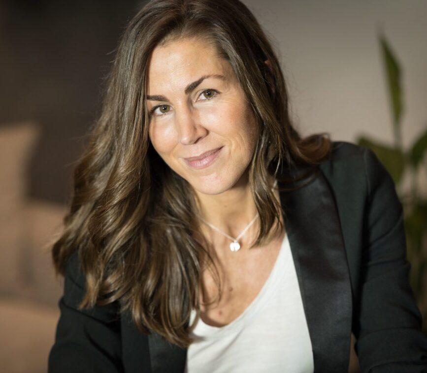 contratar conferencia Raquel Roca